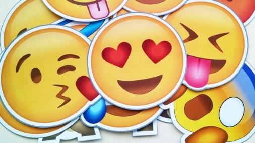 emoji-1-960x623